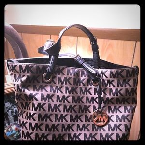 Michael Kors like new handbag